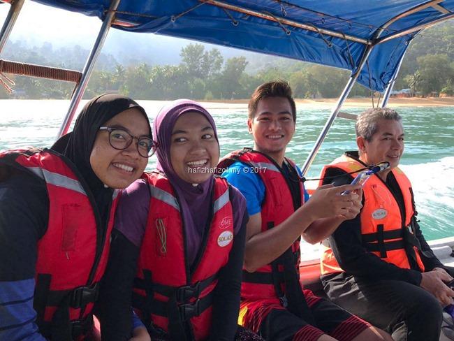 naik speed boat di pulau tioman