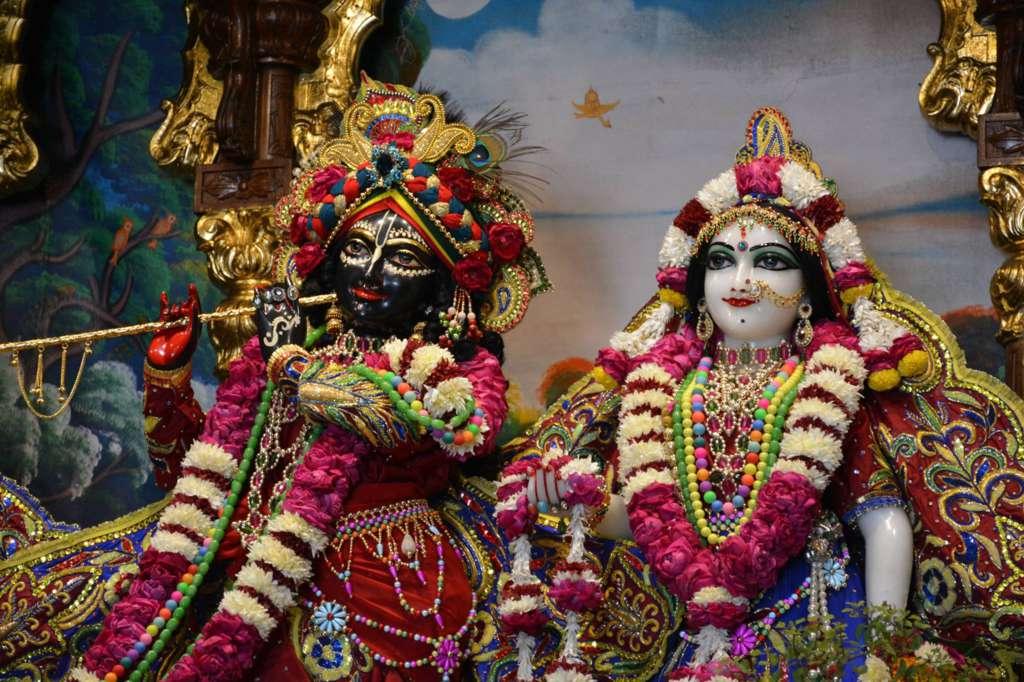 ISKCON Ujjain Deity Darshan 22 Dec 2015 (26)
