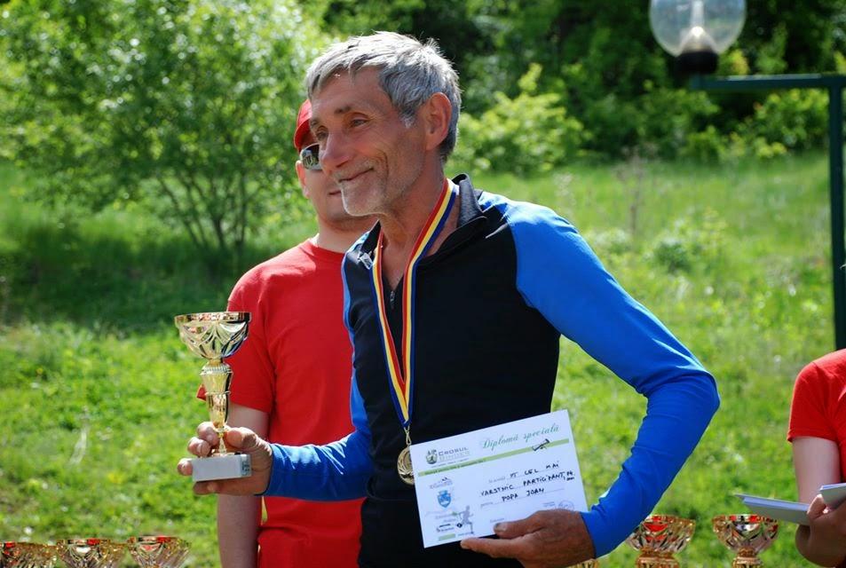 Cel mai varsnic participant 74 ani