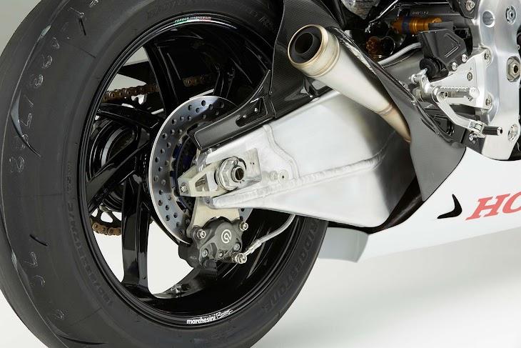 2016-Honda-RC213V-S-street-bike-26.jpg