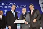 Distinción al doctor Javier Arias Stella