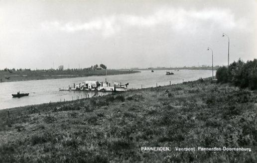 Pannerden219 pont rond 1963.jpg