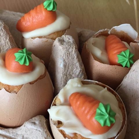 Rührkuchen in Eierschalen