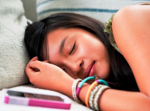 Đừng ngủ với điện thoại!