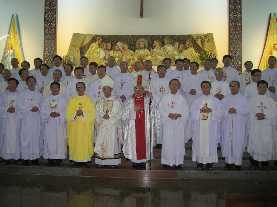 Thánh lễ tạ ơn 40 Linh mục Cha Phêrô Lê Văn Ninh (18.5.1975 – 18.5.2015).