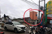 Viral, Gempa Disulbar Sorot Perhatian Sebuah Rumah Warna Oranye Lolos dari Bencana