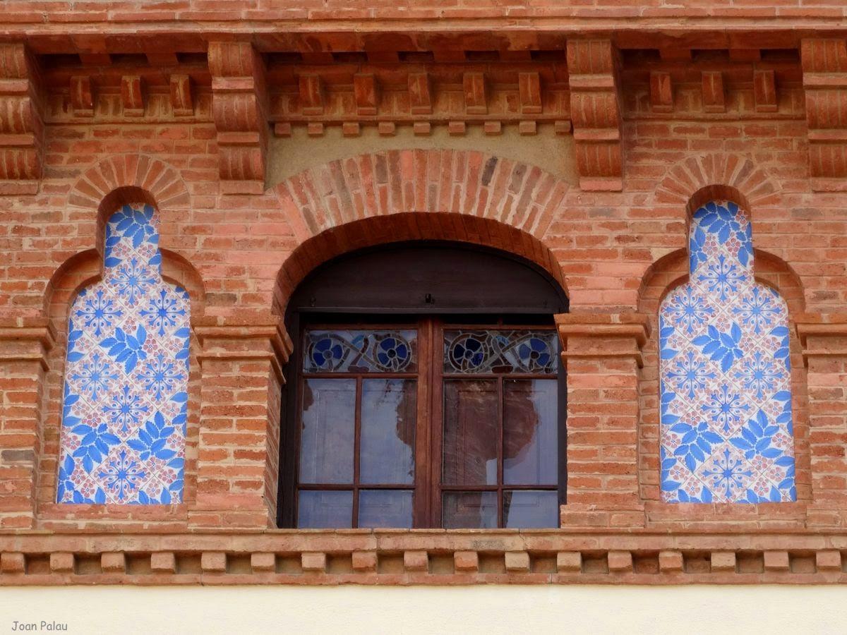 Casa dom nech barcelona modernista i singular - Arcos de ladrillo visto ...