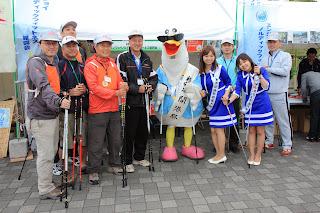 ノルディックウォーキング体験教室を横浜開港祭に出展した様子