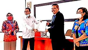 Kemendikbud Serahkan SK Prodi Pendidikan Profesi Apoteker USM Indonesia
