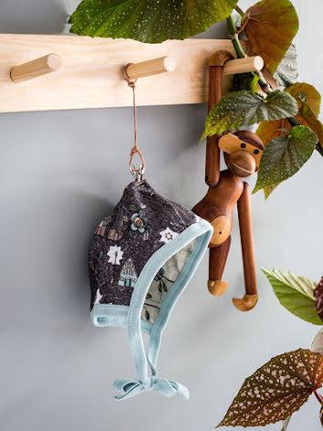 Modeerska Huset Baby Mössa Monkey Business/Night City