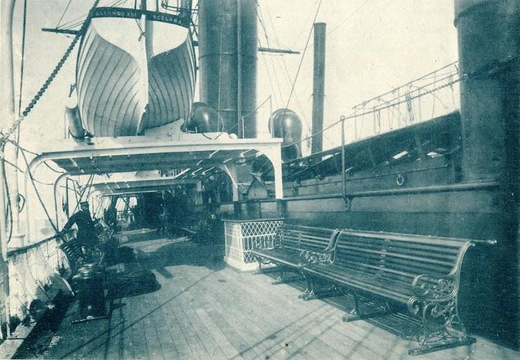 Vapor ALFONSO XIII. Detalle de la cubierta. Revista El Mundo Naval Ilustrado. Año 1898.JPG