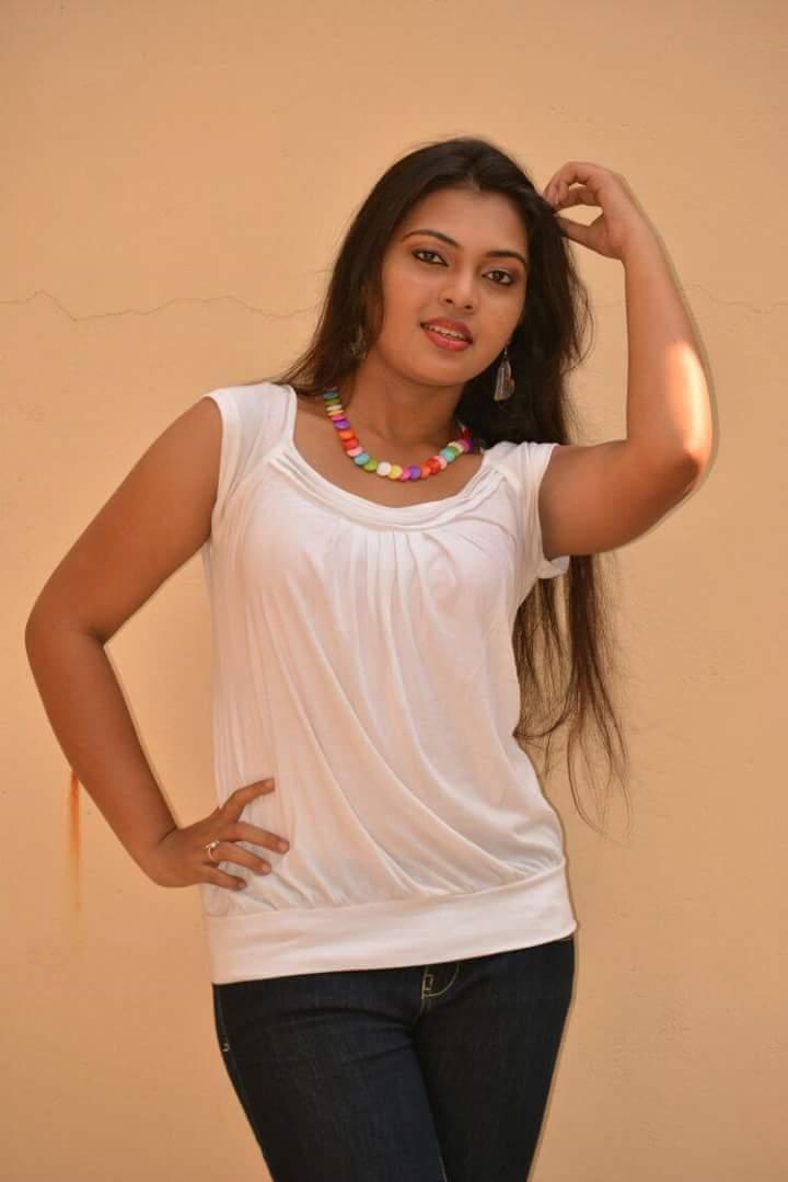 Punjabi Cute Girl Hd Wallpaper Mridula Vijay Gallery Actress Celebrities