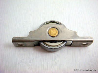 裝潢五金品名:6001-白鐵平輪規格:30MM材質:白鐵功能:可適用#0139軌道玖品五金