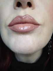 wearing NYX Cosmetics Intense Butter Gloss in Tres Leches_2