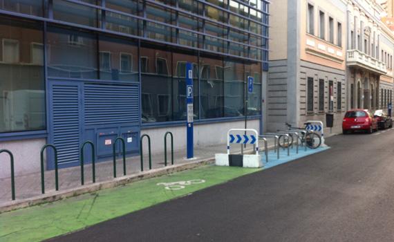 Así deberían ser todos los aparcamientos de bicicletas en Madrid