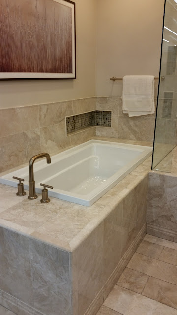 Bathrooms - 20151027_123254.jpg