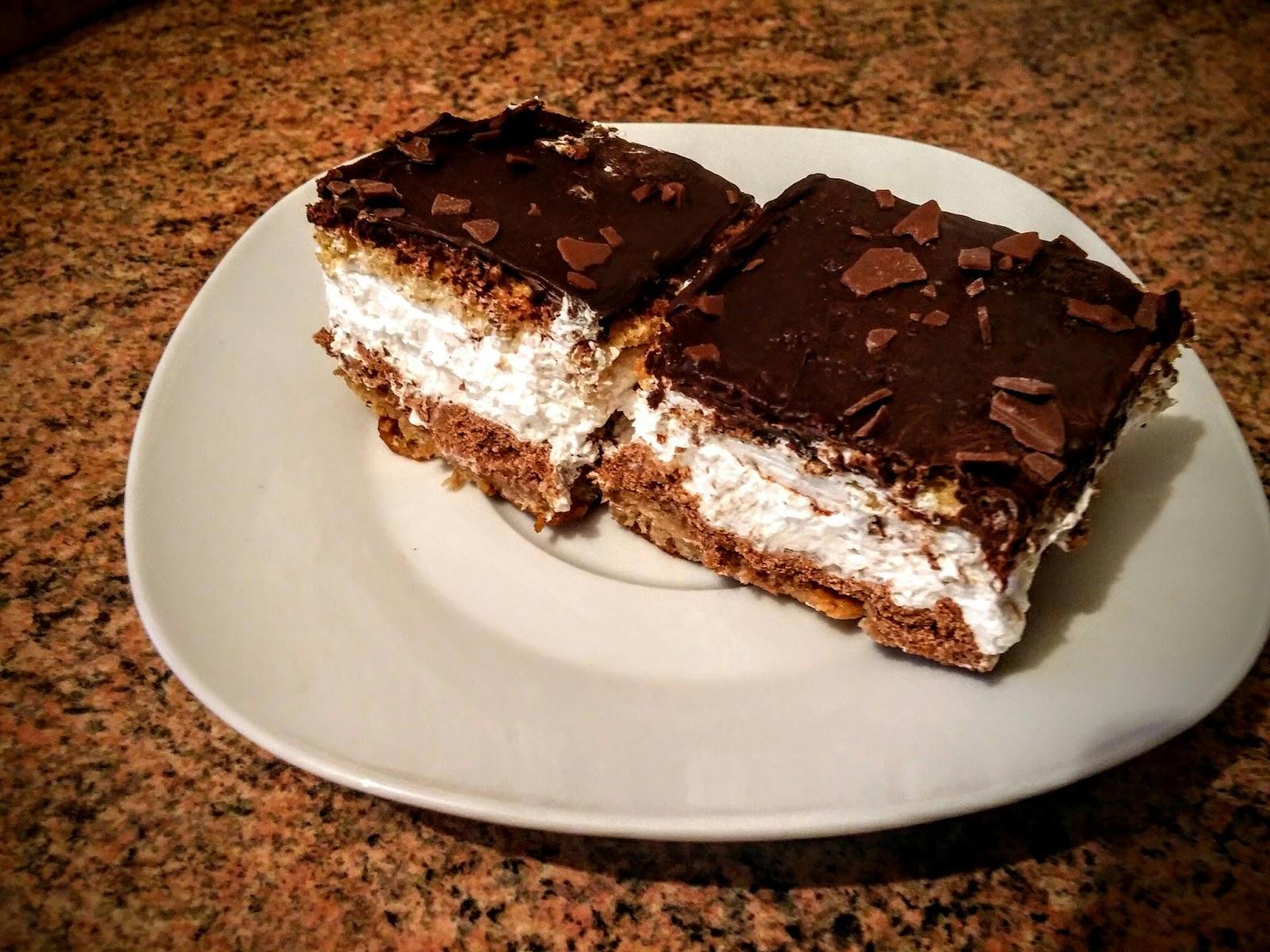 Prajitura cu frisca si crema din biscuiti Eugenia