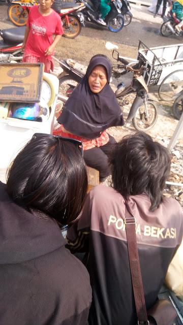Tangis Pedagang Iringi Pembongkaran Bangunan Pasar dan Bangli