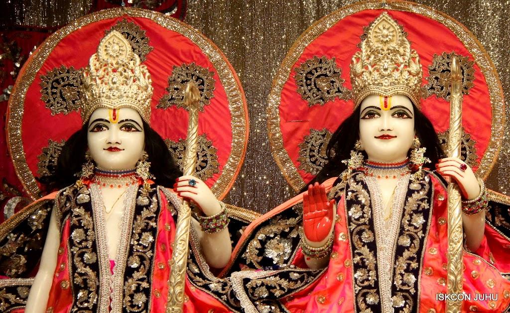 ISKCON Juhu Mangal Deity Darshan on 28th April 2016 (14)