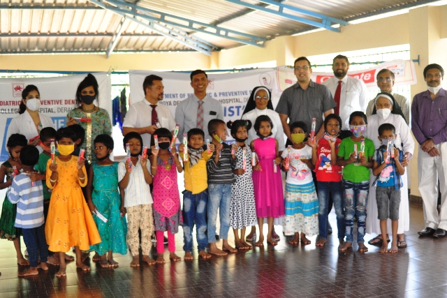 Yenepoya Dental Care Programme | ಮರ್ಸಿದಿ ಆಶ್ರಮದಲ್ಲಿ ಯೆನೆಪೋಯಾ ವತಿಯಿಂದ ದಂತ ಚಿಕಿತ್ಸಾ ಶಿಬಿರ