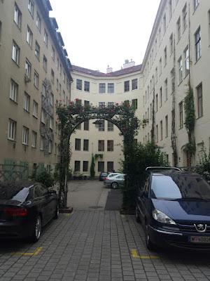 In einem Innenhof in der Leopoldstadt