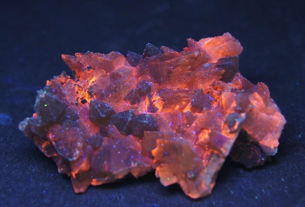 Colección de Minerales Fluorescentes Calcita+de+chihuahua%252CUVc