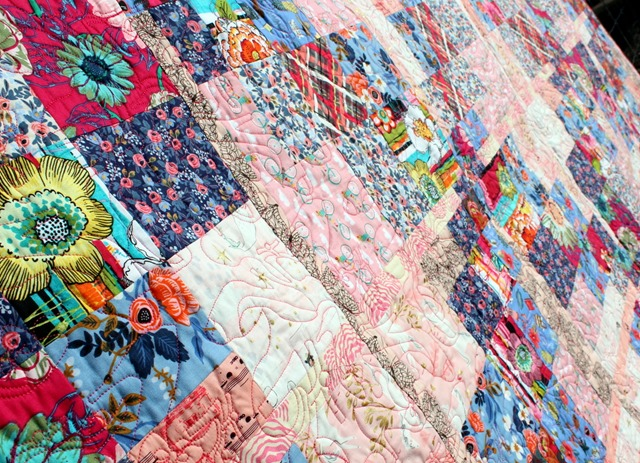 The North Shoe Quilt by Kim Lapacek quilting close up