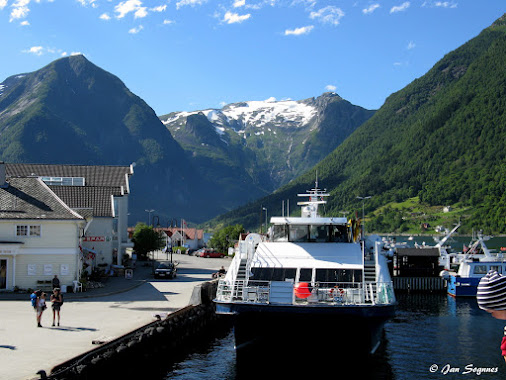 Norway between Fjord and Mountains - Sognefjord, Norway  #Sognefjord  #Sognefjorden   #Norway  ...