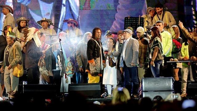 Las FARC se estrenan como partido con un concierto en el centro de Bogotá