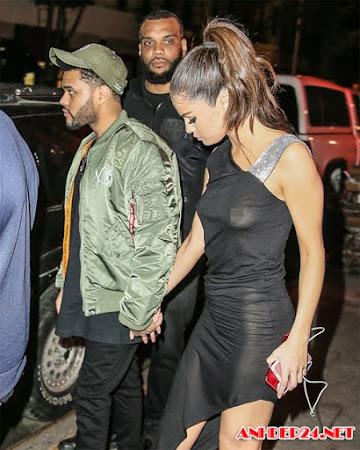Selena Gomez thả rông ngực khi đi chơi tối với người yêu