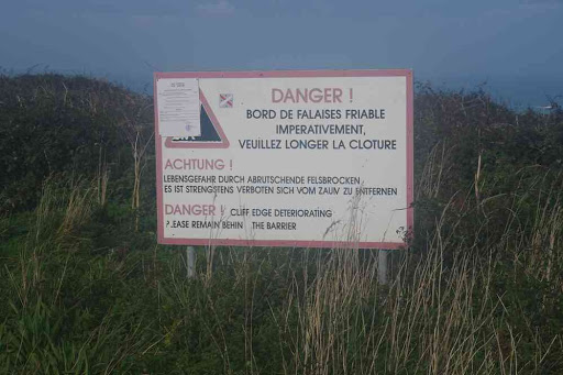 C'est marrant, c'est là où c'est interdit qu'il y a le plus de monde !.