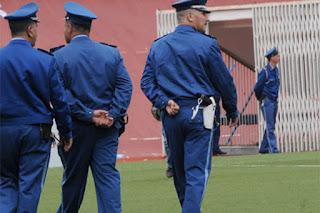 Retrait des policiers des stades