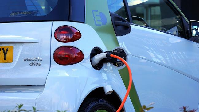 كيف يعمل محرك السيارة الكهربائية( كيف يعمل الشحن؟) How does an electric car engine work? How does charging work