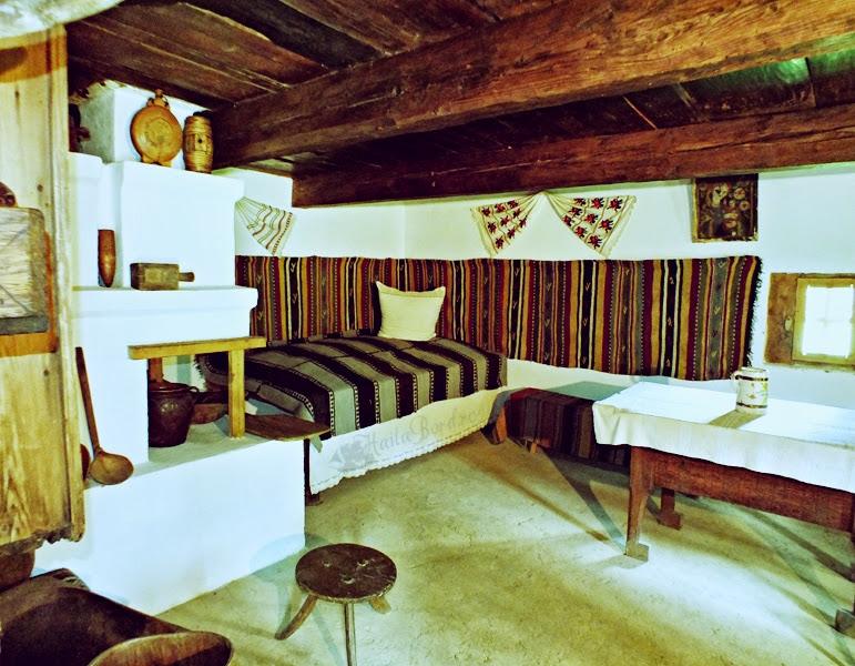 casa campulung moldovenesc muzeul satului bucovinean
