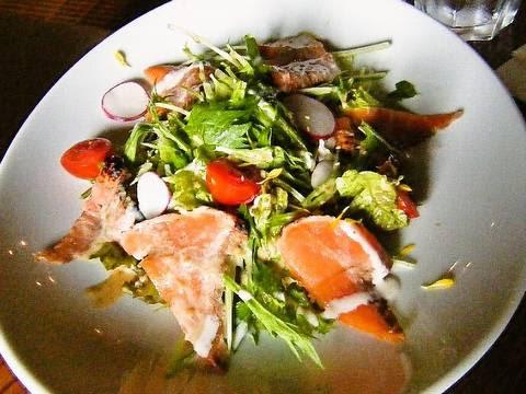 たたきサーモンと水菜のサラダ(【神奈川県横浜市】chano-maチャノマ)