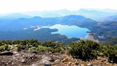 ミノブチ岳頂上からの尾瀬沼