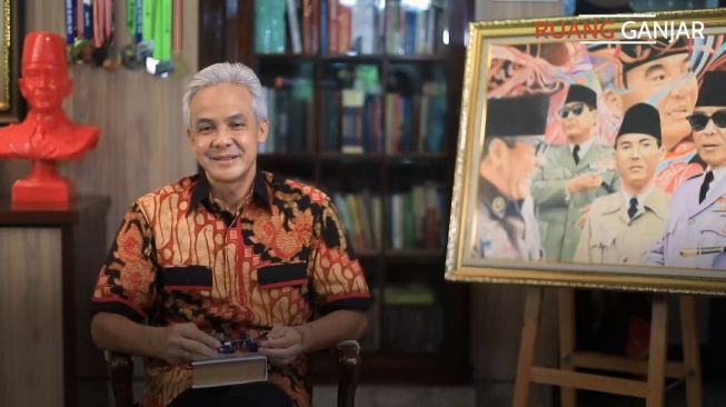 Viral Ganjar Pranowo Tolak Ajakan Makan Walikota, Pilih Makan Bekal Sendirian di Parkiran