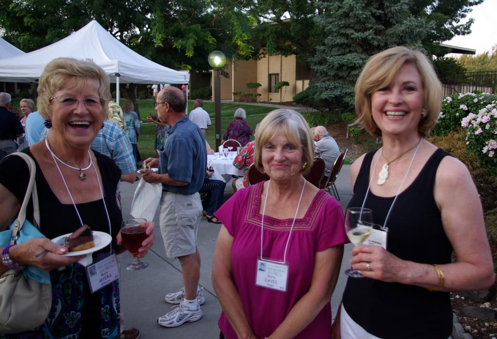 Mary Myers, Gloria Davis