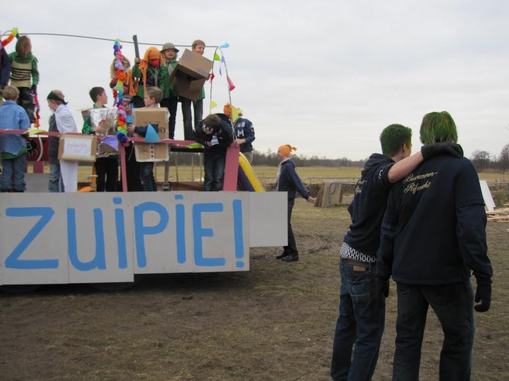 Welpen - Knutselen carnaval - IMG_5384.JPG