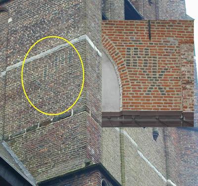 Olmen, kerk: héél specifiek (uniek) metselteken (spiegelbeeld van teken in Diest =zie inzet)