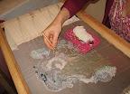 """Réalisation d'un tableau brodé """"climat chaotique"""". Travail sur l'envers au crochet de Lunéville. Karine L. création, PerleQuiRoule"""