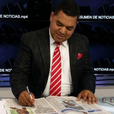 """Periodista lanza nuevo proyecto televisivo  de opinión   """"Aquí, y Ahora con Robert Del Orbe"""""""