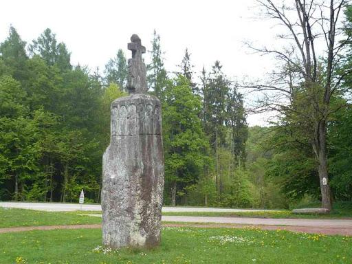 La pierre des Douze Apôtres.