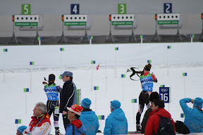 American (19) and Canadian (18) skiiers shooting