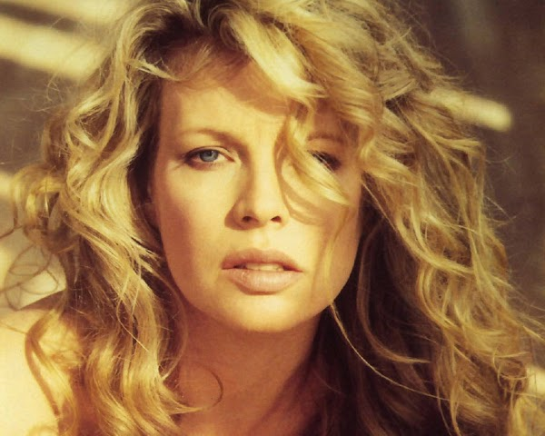 Kim Basinger blonde  #fun girls:wallpaper,fun girls