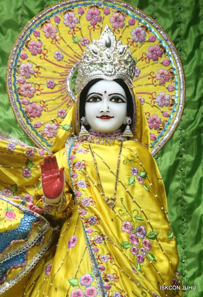 ISKCON Juhu Mangal Deity Darshan on 2nd July 2016 (13)