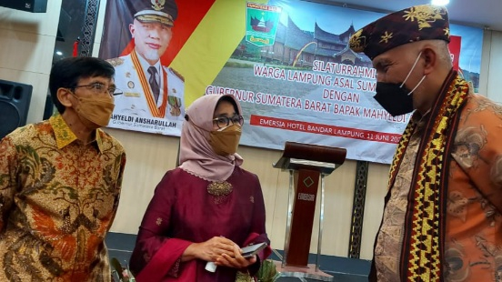 Gubernur Mahyeldi Bakaba Kampung, Bersilaturrahmi dengan Warga Lampung Asal Sumbar