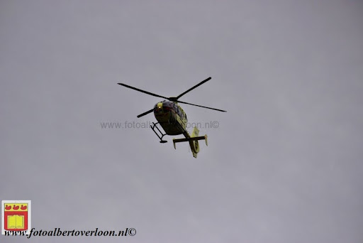 traumahelikopter landt in overloon 21-11-2012 (3).JPG