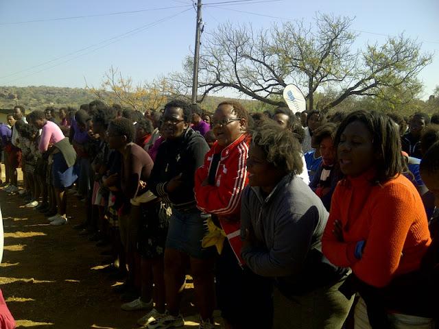 Bojale initiates singing their songs