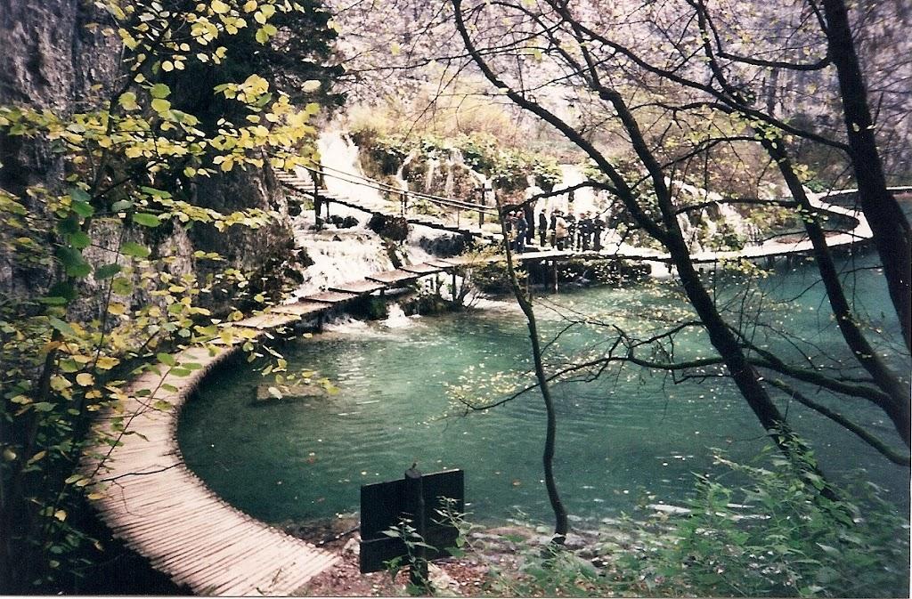 Imagen del Parque Nacional de los lagos Plitvice en Croacia, paisaje kárstico en el que el agua forma lagos, cascadas, etc. Croacia se ha convertido el día 1 de Julio de 2013 en el Estado número 28 de la Unión Europea.